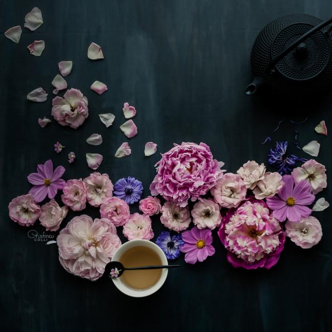 moody floral still life © Cristina Colli
